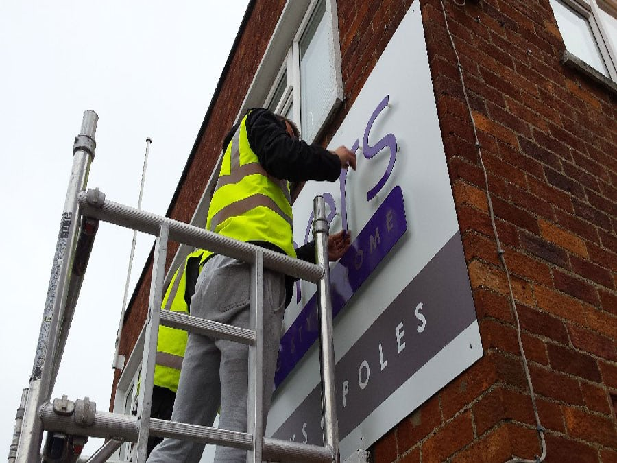 sign-installation-signs-featured